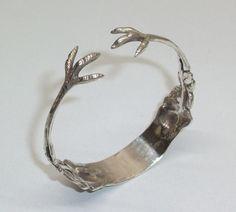 Zuckerzangen-Armreif mit antiker Rose AB146 von Atelier Regina auf DaWanda.com