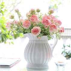 #tea #party #wedding - Teapot used as a vase