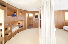wood bedroom architecture archdaily http://www.archdaily.com/282111/the-cabin-h2o-architects/?utm_source=dlvr.it_medium=twitter