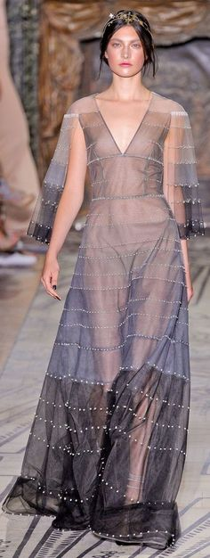 PARIS    Fall/Winter 11.12 Haute Couture         Valentino
