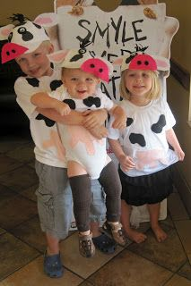 The treasure hunts: cow day at chick-fil-a: cow costume adve Nativity Costumes, Diy Costumes, Adult Costumes, Halloween Costumes, Costume Ideas, Halloween Outfits, Cow Outfits, Newborn Outfits, Newborn Clothing