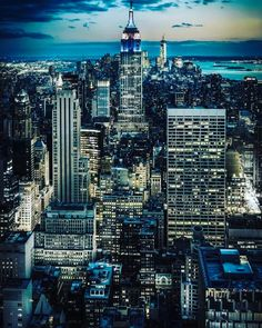 "73 Likes, 3 Comments - Style Estate (@styleestate) on Instagram: ""Empire State of mind #newyork vibes"""