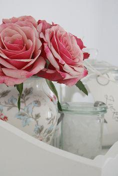 Blüten fürs Wochenende by herz-allerliebst, via Flickr