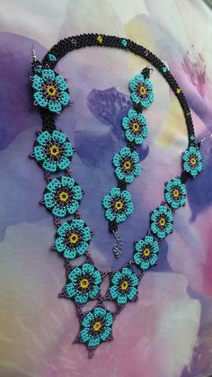 All About Beadwork I needed showing you making a bracelet with natural stone and leather thread with video. Beaded Necklace Patterns, Jewelry Patterns, Beading Patterns, Beaded Earrings, Bead Jewellery, Seed Bead Jewelry, Beaded Jewelry, Handmade Jewelry, Beading Projects