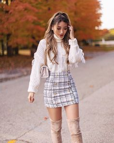 This week we have a special heads-up for all of our readers out there. Thanksgiving is a time of year that conjures up warm and homey images. Family g. Source by remaselena outfits moda Cute Skirt Outfits, Girly Outfits, Cute Casual Outfits, Stylish Outfits, Casual Dresses, Classy Outfits For Women, Couple Outfits, Teenager Outfits, Grunge Outfits