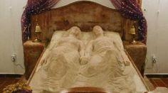 , Kripta-villa - Az örök szerelem háza Villa, Furniture, Home Decor, Decoration Home, Room Decor, Home Furnishings, Home Interior Design, Fork, Villas