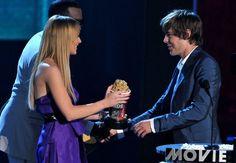 Pin for Later: Zac Efron et son parcours aux MTV Movie Awards : que du bonheur ! En 2008, c'est Lindsay Lohan qui lui a remis son popcorn