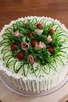 garnishing on a sandwich cake/ Merjan Makiaa: Kinkku-voileipäkakku Sandwich Torte, Food Garnishes, Garnishing, Tea Sandwiches, Food Decoration, Food Platters, Savoury Cake, Creative Food, Food Presentation