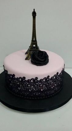 Bolo Paris com renda: #bolosdecorados  #aniversario #festa #festaadulto #confeitaria #bolodeparis #paris Paris Birthday Cakes, Makeup Birthday Cakes, Paris Themed Cakes, 12th Birthday Cake, Paris Cakes, Birthday Cake Girls, Teen Cakes, Girl Cakes, Bolo Paris
