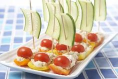 Tuna Boat Appetizers Recipe - king of red lions boat snacks! Veggie Snacks, Healthy Snacks For Kids, Snacks Kids, Cute Food, Good Food, Funny Food, Entree Festive, Thanksgiving Snacks, Passover Recipes