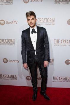 Pin for Later: Les Stars de la Musique S'éclatent à L'approche des Grammy Awards Adam Lambert