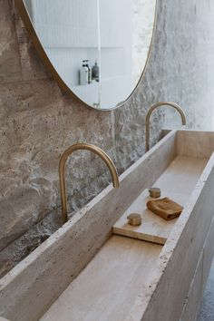 Interior Design Inspiration, Bathroom Inspiration, Bathroom Interior Design, Interior Decorating, White Brick Tiles, Tadelakt, Terrazzo Flooring, Dream Bathrooms, Minimalist Home