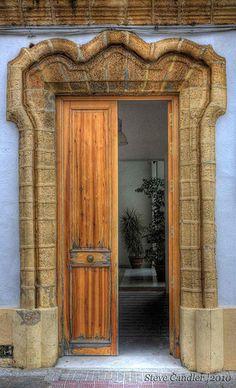 Door in Puerto Real, Spain | da Light+Shade [spcandler.zenfolio.com]