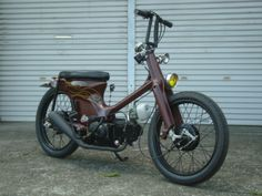 """Bullet"" Super Cub custom by Cone Custom Bike, Japan Honda Cub, Custom Moped, Custom Bikes, Motorcycle Types, Motorcycle Design, Honda Motorbikes, Mini Chopper, Build A Bike, Moped Scooter"