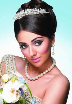 Richard Designs tiara TR1026A featured in Asiana Wedding Magazine