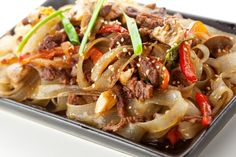 Tasty and juicy meat will be cooked according to a Thai recipe. Want to try a completely new dish that will help you to feel the traditions and culture of Asian countries? Then this recipe is for you! Vietnamese Recipes, Thai Recipes, Asian Recipes, Restaurant Deals, Beef And Noodles, Noodle Salad, Japchae, Slow Cooker, Low Carb