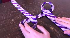 Fare un nodo corretto alla cravatta non è così scontato: ad alcune persone riesce bene, altre possono passare anche tutta la vita senza arrivarea farlo in modo accettabile. Per questo,…
