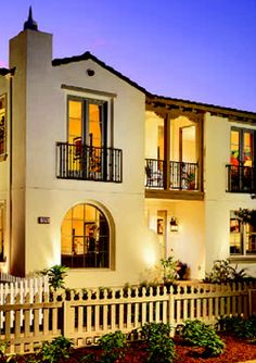 santa barbara style architecture - Google Search Spanish Revival, Spanish Colonial, Spanish Style, Iron Balcony, Mediterranean Homes, Santa Barbara, Curb Appeal, Exterior, House Design