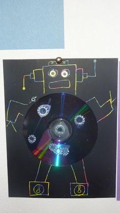 cd upcycled robots Easy Preschool Crafts, Cd Crafts, Bible School Crafts, Preschool Art, Preschool Activities, Professor, Nono Le Petit Robot, Robot Technology, Technology Gadgets