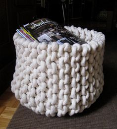 Knitting pattern for Rope Basket - easy pattern for knitting a garter stitch basket from cotton rope. More pics on Etsy (affiliate link) tba recycled