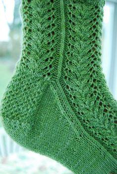 Ravelry: Spring Fern Socks pattern by Susan Lutsky Loom Knitting, Knitting Stitches, Knitting Socks, Free Knitting, Knitting Patterns, Knit Socks, Women's Socks, Knitting Tutorials, Knitting Machine
