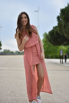 Lucía Peris is wearing layered maxi dress 'Icing on the cake' from Jovonna, and slip-ons from ASOS. Aristocrazy watch  (midilema.com)