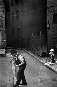 Boston ©Photo by  Henri Cartier - Bresson 1947