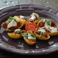 Stuffed Fritos recipe: A great snack for a football party or while snacking while smoking up a rack of ribs. Yummy Appetizers, Appetizer Recipes, Snack Recipes, Cooking Recipes, Frito Recipe, Great Recipes, Favorite Recipes, Football Snacks, Sports Food