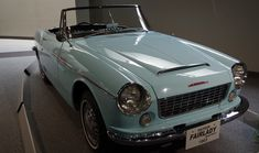 Datsun Fairlady 1963 Maintenance/restoration of old/vintage vehicles: the material for new cogs/casters/gears/pads could be cast polyamide which I (Cast polyamide) can produce. My contact: tatjana.alic@windowslive.com