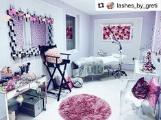Showing some Lash Room Love 💕 by Makeup Studio Decor, Nail Salon Decor, Beauty Room Salon, Beauty Room Decor, Salon Interior Design, Beauty Salon Interior, Salon Design, Eyelash Extensions Salons, Spa Room Decor