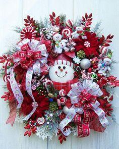 Christmas decorations Christmas Wreath Adorable snowman wreath for Christmas. Merry Christmas, All Things Christmas, Winter Christmas, Christmas Holidays, Christmas Ribbon, Holiday Wreaths, Holiday Fun, Christmas Decorations, Christmas Ornaments