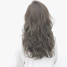2016/11/19 09:52:33 hanajitakuya . 昨日のお客様◎ . オレンジ赤みを消して寒色に . ブリーチしてアッシュ✨ . #hairmake#hair#beauty#美容#ヘアカラー#ヘアアレンジ#グレージュ #アッシュ#外人風#寒色カラー#グラデーション#サロンワーク #美容