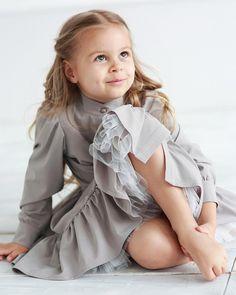 """Милые девочки !)Кто давно с нами ,знают ...что платье """" Пуговки """" наша одна из самых любимых моделей ,это платье всегда в наличии ,цвета на выбор ❤️Загляните в сторис 😉,новые цвета для Вас ...и конечно же это любимейший серый( два новых тона ) 💔💔💔  Количество ограничено (платьев в сером цвете ) !  #miko_kids #conceptkidswear #clotheslikefeelings #dressforkids #❤️"""