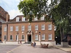 Discover Foundling Museum in London, England: Museum dedicated to the UK's first charity for abandoned children, with keepsakes of the mothers who left them behind. Brunswick Square, Russell Square, London Places, Hotel Stay, Greater London, School Holidays, Historical Sites, Mansions, Architecture