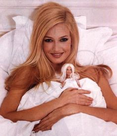 Pseudo-Occult Media: Karen Mulder: Depersonalized Monarch Doll