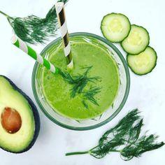 Simpel smoothie recept met avocado, spinazie en dille
