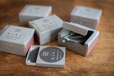 マッチと線香。兵庫の伝統産業が融合した新しい香りのかたち〈hibi〉|ローカルニュース!(最新コネタ新聞)兵庫県 揖保郡太子町|「colocal コロカル」ローカルを学ぶ・暮らす・旅する