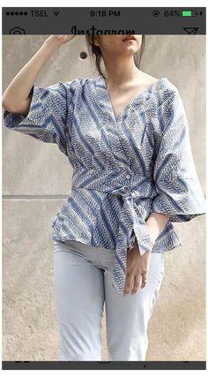 Batik Kebaya, Kebaya Dress, Batik Dress, Blouse Batik Modern, Dress Batik Kombinasi, Batik Fashion, Blouse Models, Traditional Fashion, Blouse Designs