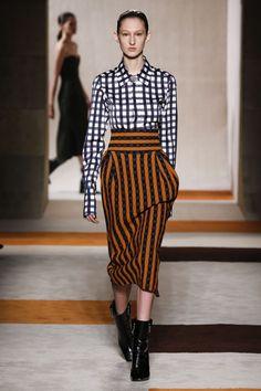 Nice combo. Love the pattern mix.  @victoriabeckham Deep Cuff Shirt |High Waisted Pencil Skirt