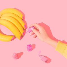 Bananicure (I've heard this polish is prone to peeling, though! Pastel Photography, Still Life Photography, Vintage Photography, Creative Photography, Banana Art, Boho Trends, Foto Art, Design Graphique, Pink Aesthetic