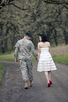 Military - Love the idea if red shoes with the white dress Military Couple Pictures, Military Couples, Military Love, Military Photos, Military Dating, Military Couple Photography, Army Photography, Engagement Photography, Army Wedding