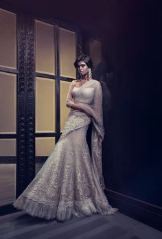 gorgeous white lehenga sari by Tarun Tahiliani #sexy #asian #legs
