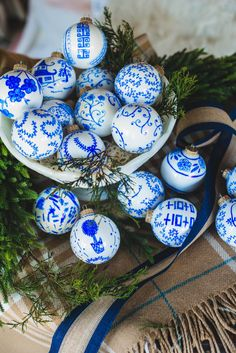🌟Tante S!fr@ loves this 📌🌟Create beautiful and budget-friendly Christmas ornaments with this How to Make Unique Blue & White Chinoiserie Ornaments tutorial! White Christmas Ornaments, Wooden Christmas Trees, Blue Christmas, Christmas Balls, Christmas Tree Decorations, Christmas Crafts, Christmas Ideas, Holiday Ideas, Whoville Christmas