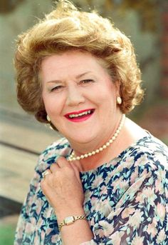 Patricia Routledge Keeping Up Appearances British Actresses, British Actors, Actors & Actresses, Old Lady Dress, Bbc Tv Shows, Keeping Up Appearances, British Comedy, English Comedy, Comedy Tv