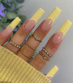 Bling Acrylic Nails, Gradient Nails, Best Acrylic Nails, Coffin Nails, Edgy Nails, Funky Nails, Stylish Nails, Long Square Acrylic Nails, Square Nails