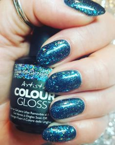 Glitter Nails using Artistic Colour Gloss Party Teal Dawn available at Louella Belle #ArtisticColourGloss #Glitter #GlitterNails #Nails #Manicure #LouellaBelle