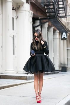 Autumn ballerina :: tulle skirt & red pumps street style my Mode Outfits, Night Outfits, Dance Outfits, Club Outfits, Skirt Fashion, Fashion Outfits, Womens Fashion, Woman Outfits, Tutu Bailarina