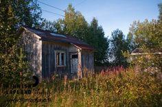 Old House in Kaukonen village in the municipality of Kittilä, in Finnish Lapland. Photo by Jani Kärppä. #filmlapland #finlandlapland #arcticshooting