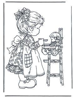Jugando con la muñeca