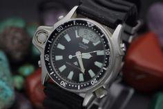 df02ad9e3 Vintage CITIZEN Aqualand Quartz C022 Ana Digi Stainless Steel Diver s Watch
